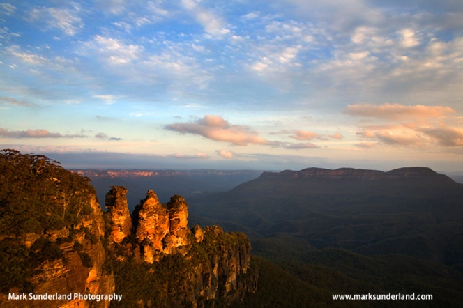 The Three Sisters rock formation at sunset Blue Mountains National Park New South Wales Australia