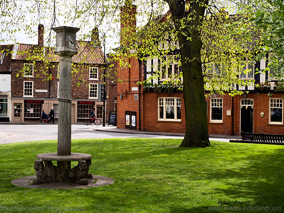 Sundial on College Green and Deansgate, York