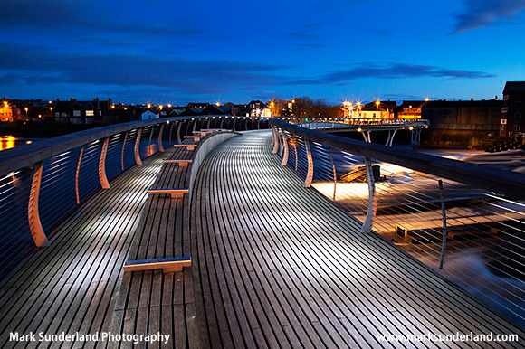 Castleford Footbridge over the River Aire at Dusk Castleford Yorkshire England Opened in 2008 the first major bridge in the UK to be fully FSC certified