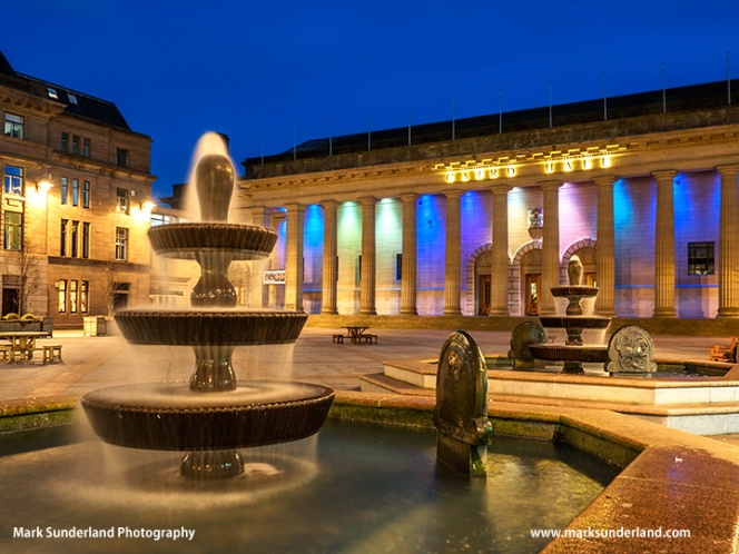 Fountains and Caird Hall in Dundee