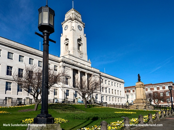 Barnsley Town Hall in Spring