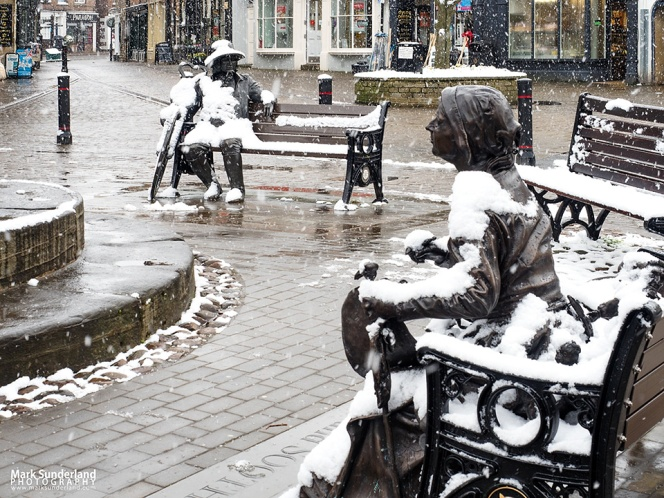 Snow Falling on Blind Jack and Mother Shipton in Knaresborough Market Place!
